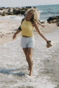 susie-on-the-beach